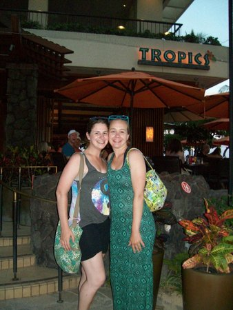 Hilton Hawaiian Village Waikiki Beach Resort: Tropics Bar
