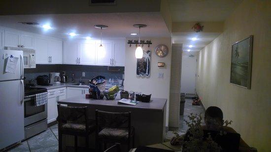 Waters Edge Resort : kitchen