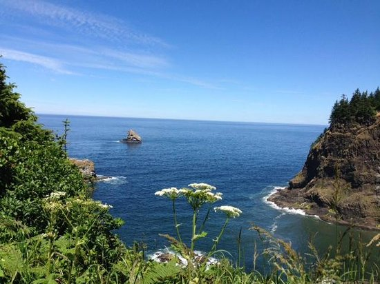 Cape Meares Lighthouse and Wildlife Refuge: view on the other side