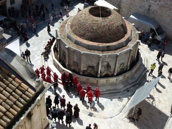 Onophrian Fountain: Ícone da cidade