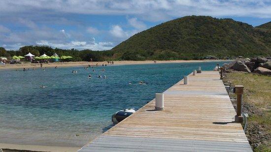 Carambola Beach Club: Short pier