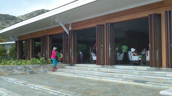 Carambola Beach Club: Dining area