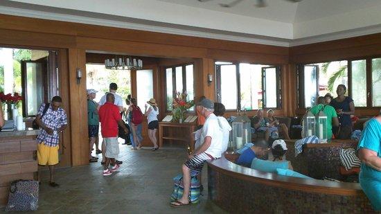Carambola Beach Club: Shelter from the rain