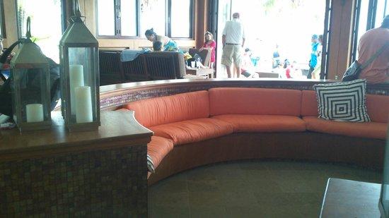 Carambola Beach Club : Lobby area