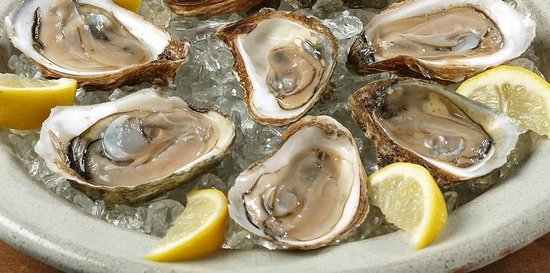 Bottom Feeders: Delicious oysters.
