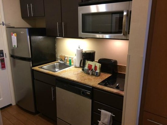TownePlace Suites Lexington Park Patuxent River Naval Air Station: Nice Kitchen with Full Size Refrigerator
