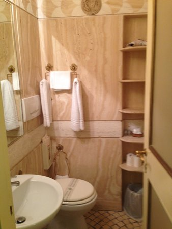 Residenza al Corso: Baño