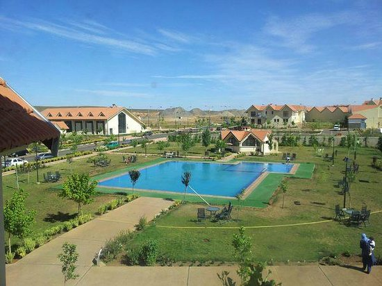 Piscine photo de hotel farah inn ifrane tripadvisor for Piscine demontable maroc