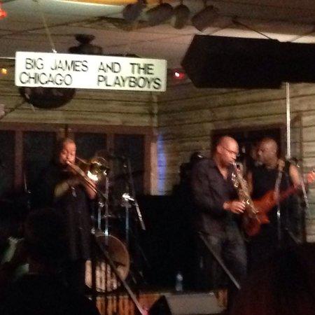 Kingston Mines: Friday night fun
