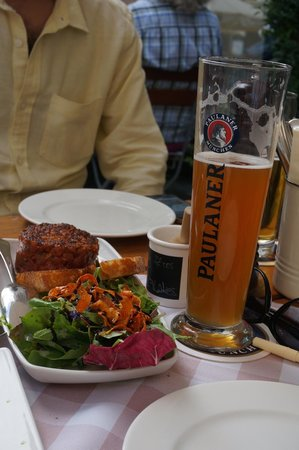 Zwickl - Gastlichkeit am Viktualienmarkt: Paired with beer, perfection