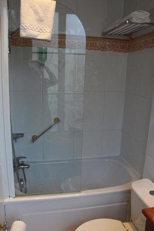 Hotel Duquesne Eiffel: bathroom