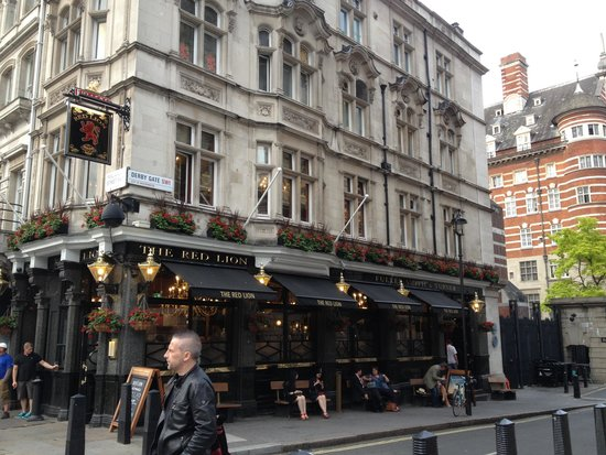 The Red Lion / Westminster