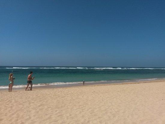Ayodya Resort Bali : пляж отеля