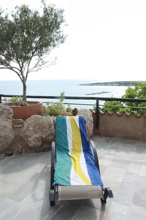 Coral Beach Hotel & Resort: Widok z balkonu