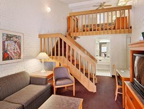 Days Inn & Suites Altamonte Springs: my room