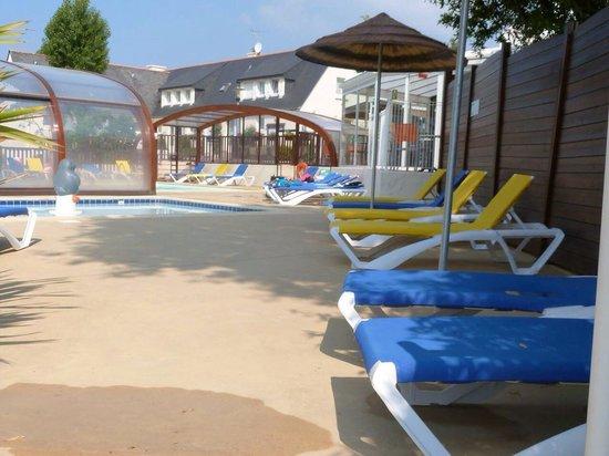Camping Le Moulin de Kermaux: La piscine
