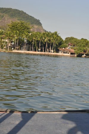 Utropico Guest House: View of the lake on the boat taxi