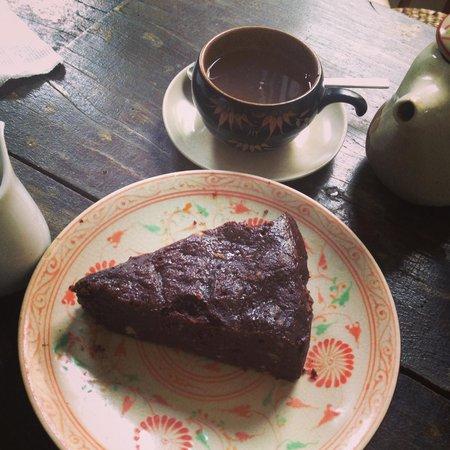 The Hanoi Social Club: Flourless chocolate cake