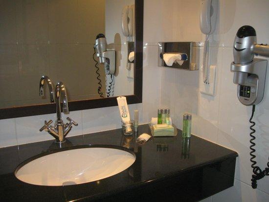 Marivaux Hotel: bathroom