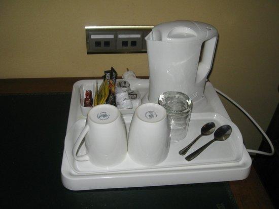 Marivaux Hotel: tea/coffee facility