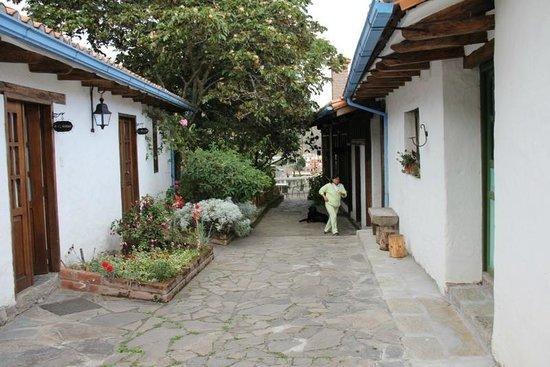 Hosteria La Quinta: Inner courtyard