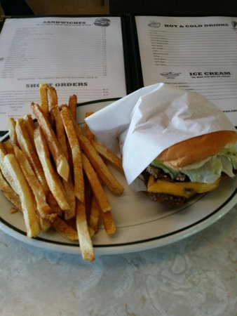 Matt's Place: Nutburger with bacon and a side of french fries
