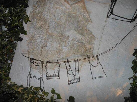 Restaurant Kibe : Detalhe da decoração feita com arame