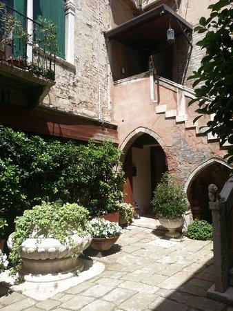 Residence Palazzo Odoni : Hotel Entrance