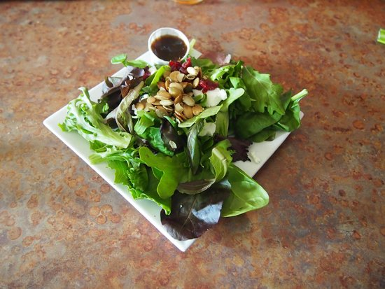 Lightship Restaurant: Baby greens salad