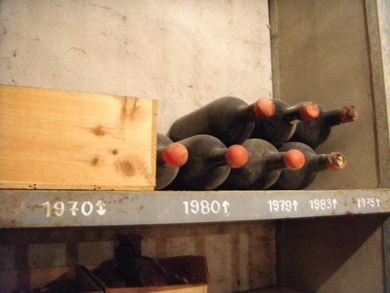 Provence Wine Tours : One of the cellars had 40-50 year old wine bottles