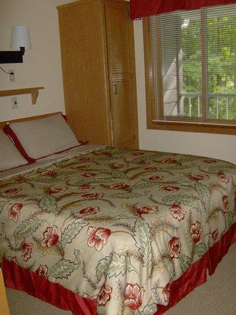 Waterbury Inn : Bedroom in Two Bedroom Suite