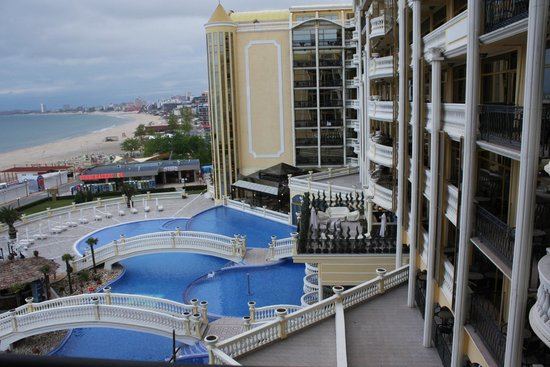 Victoria Palace Hotel & Spa: The view from our balcony