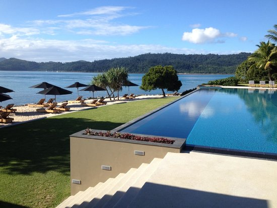 Qualia Resort: Pool At Pebble Beach Dining