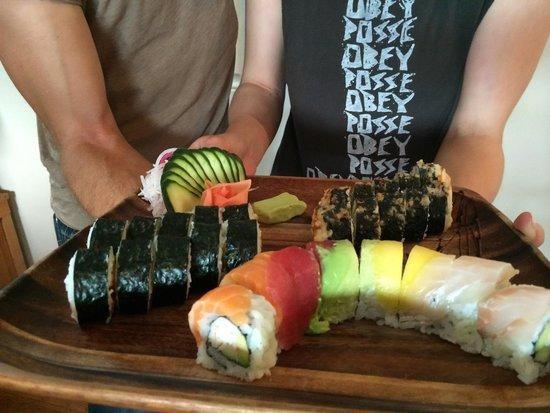 Flyin' Hawaiian Sushi: Yummy fresh edible art!