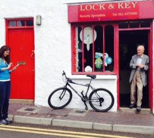 Don & Barry's Historic Stroll in Old Kinsale: Kinsale shop keeper