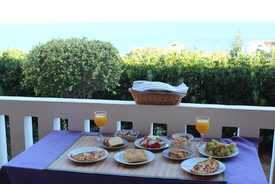 Villa Georgia Apartments&Suites: Breakfast with a View