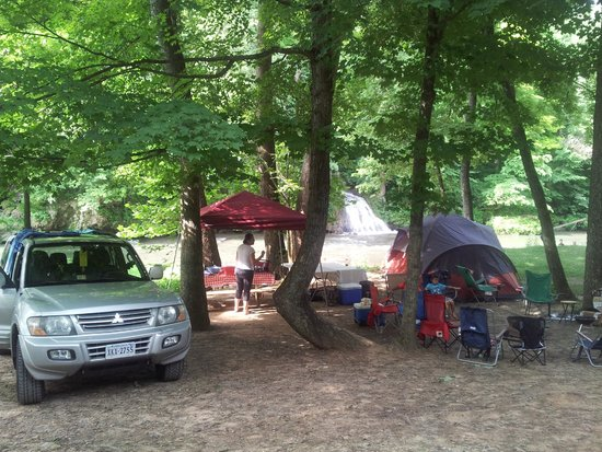 Shenandoah Valley Campground: camping by the river