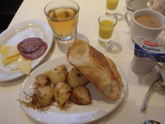 Ovolo Noho: breakfast buffet (changed each day)