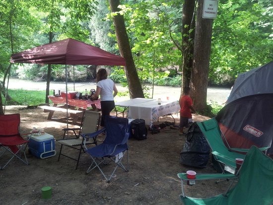 Shenandoah Valley Campground: breakfast time