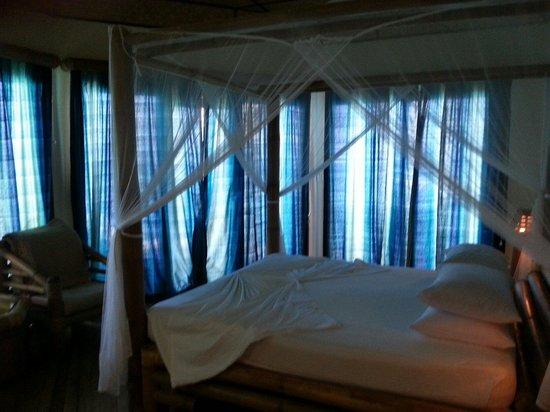 Thulhagiri Island Resort : Villa bed