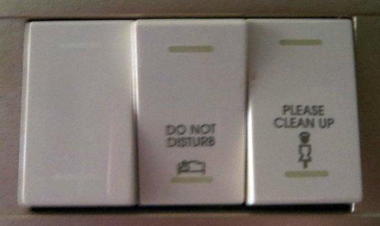 Petra Marriott Hotel : Electronic housekeeping notification