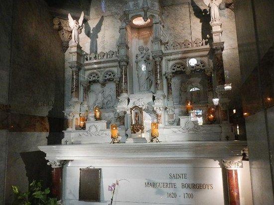 Chapelle Notre-Dame-de-Bonsecours : Sainte Marguerite's tomb