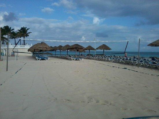 Hotel Riu Cancun : Quadra de volei