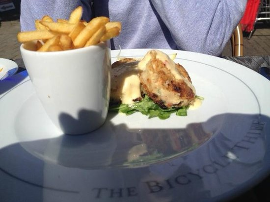 The Bicycle Thief: Delicious, flavourful fish cakes.