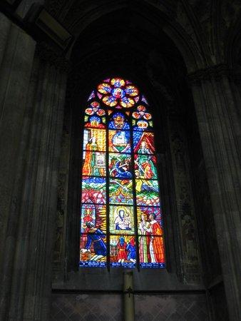 Votivkirche: Vitrais