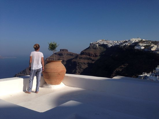 Belvedere Santorini: Such a beautiful hotel...the staff and the views.