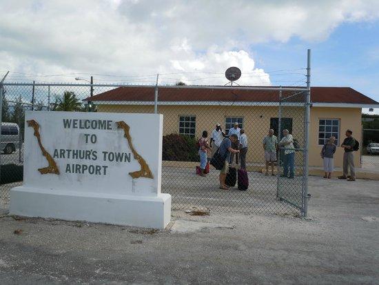 Shannas Cove Resort: Arthur's Town Airport