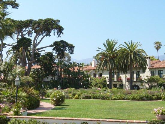 Four Seasons Resort The Biltmore Santa Barbara: Front of hotel