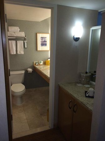 Inverness Hotel and Conference Center: Bathroom