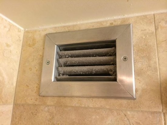 Hilton Denver Inverness: Bathroom Vent